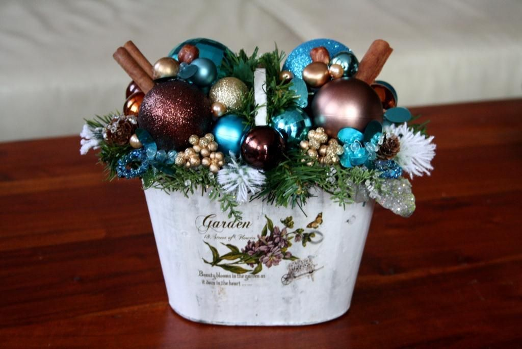 Stroik świąteczny W Osłonce Na Wigilijny Stół Ozdoby świąteczne Dekoracje Na Boże Narodzenie