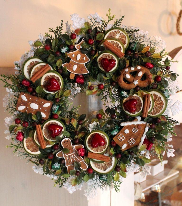 Wianek świąteczny Z Piernikami Wianki świąteczneozdoby świąteczne Dekoracje Na Boże Narodzenie